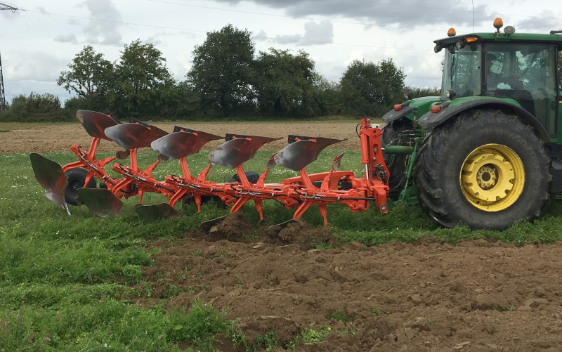 Section control for intelligent Kuhn plough