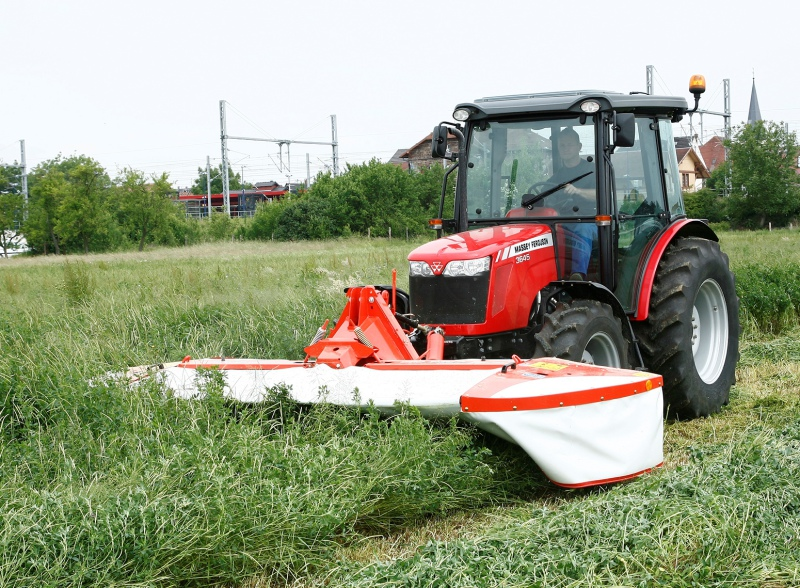 Compact and lightweight Kuhn front mowers