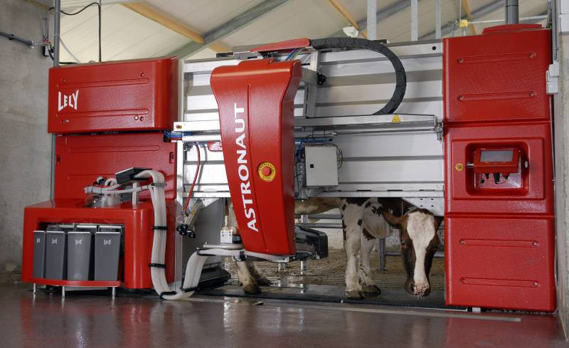 Lely sells more robotic systems